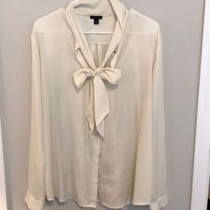 New Ann Taylor Neck Tie Blouse cream. XL